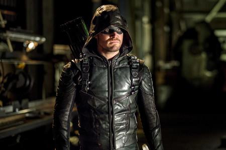 'Arrow' intenta reinventarse de nuevo con una fórmula demasiado gastada