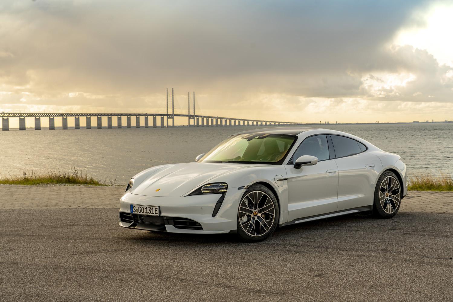 Porsche Taycan prueba contacto