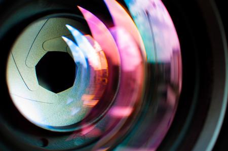 Estos son los objetivos fotográficos más luminosos que podemos encontrar para nuestras cámaras