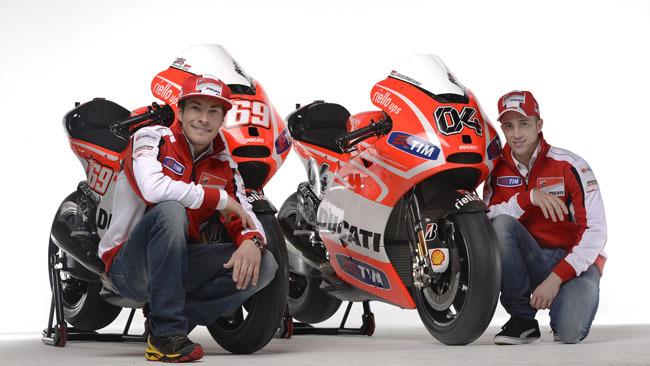 Ducati Desmosedici GP13 con Hayden y Dovizioso