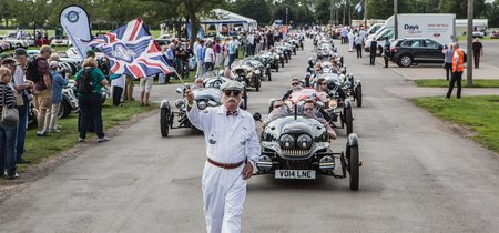 Celebrando los 108 años de historia de Morgan con más de 1.500 coches y  5.000 aficionados