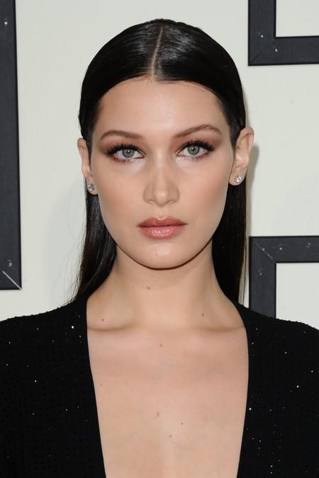 Duelo de bellezas en los Grammy: Alessandra Ambrosio versus Bella Hadid ¿Con quién te quedas?
