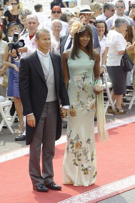 El look de Naomi Campbell como invitada a la Boda Real en Mónaco. Rompiendo el protocolo