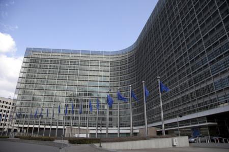 Bruselas muestra su preocupación por la deuda pública española