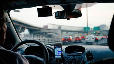 Uber y Cabify podrían dejar de operar en Valencia si se aprueba el decreto ley que limita su actividad