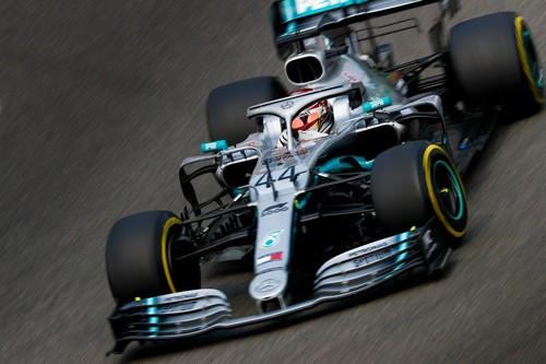 Mercedes arrasa en la carrera 1.000 de Fórmula 1 y Lewis Hamilton recupera el liderato del mundial