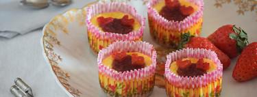 Mini cheesecakes de limón y fresa para dos: receta para compartir en San Valentín