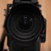 La cámara más veloz del mundo captura, a 70 billones de fps, la trayectoria de la luz en todo su esplendor