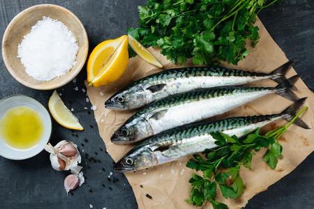 El pescado en la alimentación infantil: atún, sardina, salmón y otros pescados azules