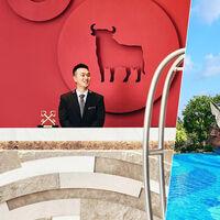 """Galeones gigantes, toros de Osborne, flamenco: el alucinante hotel chino """"inspirado"""" en España"""