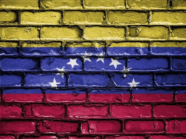 Los venezolanos escapan de la hiperinflación gracias a Bitcoin y... son arrestados por ello