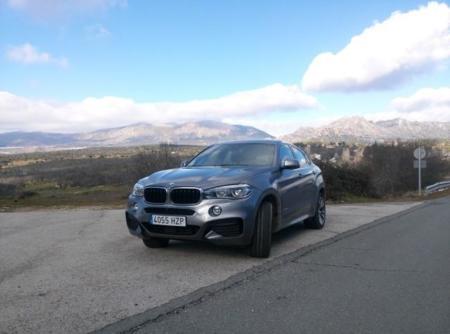 El BMW X6 es un ordenador con ruedas y nos hemos montado en él