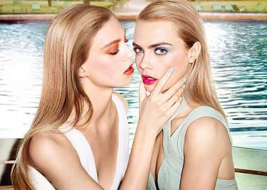 Cara Delevingne, ¿besaste a una chica? ¿Y te gustó? A YSL sí
