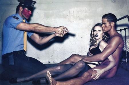 Lara Stone en Vogue París con un editorial polémico en febrero