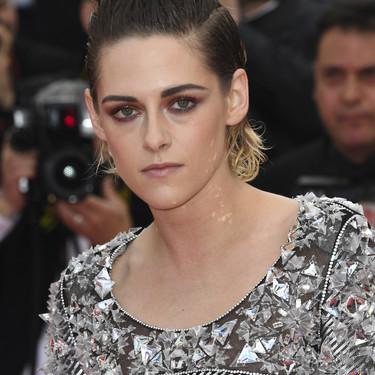 Kristen Stewart se salta el protocolo y decide descalzarse en mitad de la red carpet de Cannes 2018