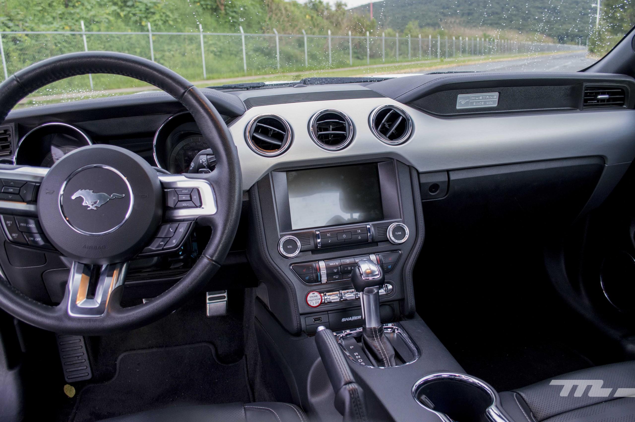 Foto de Ford Mustang GT V8 (10/22)