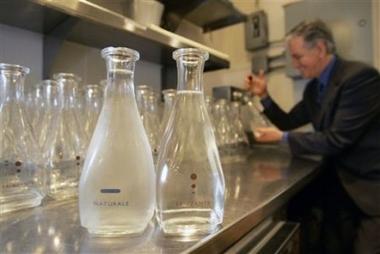 Agua del grifo en los restaurantes de lujo para reivindicar el bien común