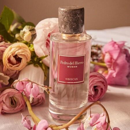 Hemos probado el perfume Hibiscus de Pedro del Hierro con el que acertar el Día de la Madre y que además tiene un descuento estupendo