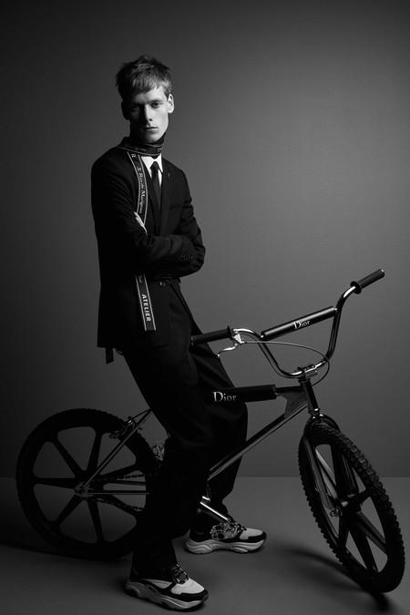 Dior Homme diseña una bicicleta de montaña que representa el espíritu del urbanismo cool