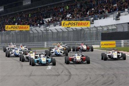 Roberto Merhi y Dani Juncadella se llevan todas las victorias en Nürburgring