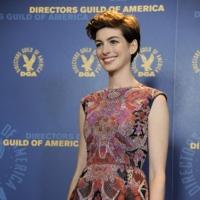 Anne Hathaway elige Valentino para los premios DGA 2013