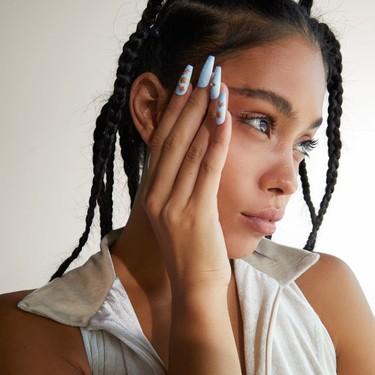 Bershka nos propone la manera más fácil de lucir una manicura muy molona sin ningún esfuerzo con sus nuevas uñas postizas