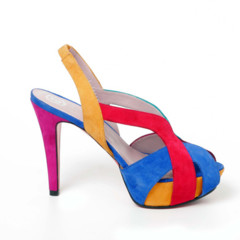 Foto 2 de 15 de la galería coleccion-sandalias-primavera-verano-2011-de-jaime-mascaro-viva-el-color en Trendencias