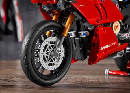 Ducati Panigale V4r Lego Technic 2020 1