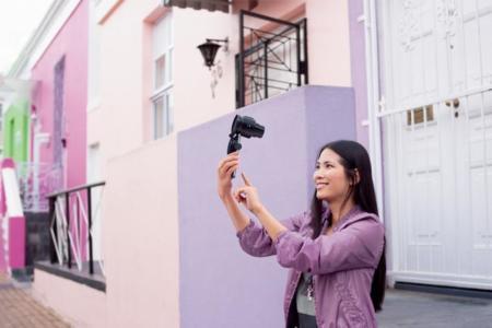 Sony QX1 y QX30: los accesorios fotográficos se ponen muy serios
