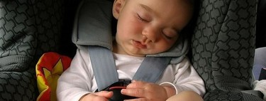 Una silla de coche con sensores inteligentes te recuerda que viajas con un bebé: previene olvidos