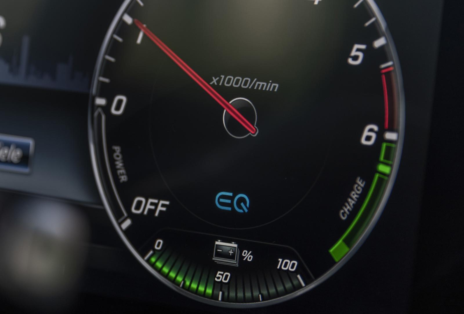 Foto de Mercedes-Benz E 300 de (presentación) (6/47)