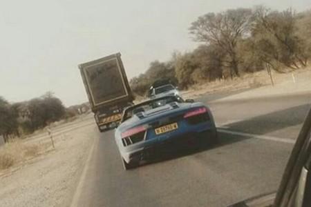 El Audi R8 Spyder ya se pasea por Namibia