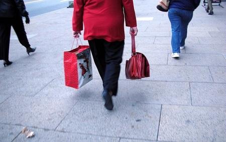 Los españoles gastarán de media 300 euros menos que en las Navidades sin crisis