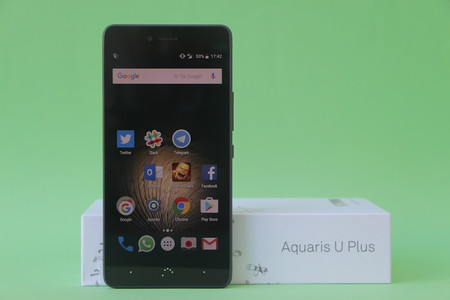 BQ Aquaris U Plus, diseño