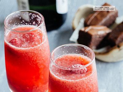 Mimosa de frambuesa. Receta de cóctel para San Valentín