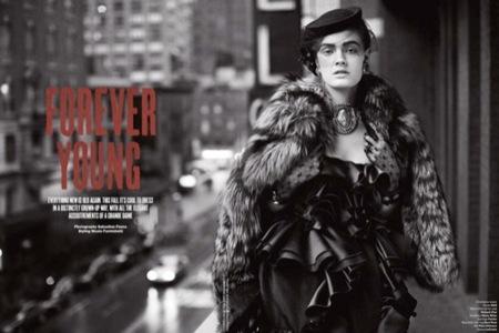 'Forever Young', otro editorial con clase por parte de V y con Eniko Mihalik