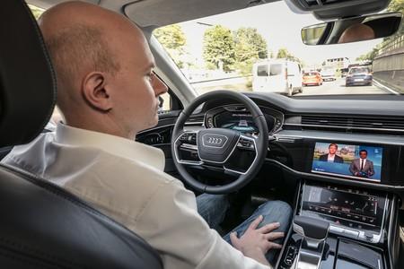 Así funciona el AI traffic jam pilot del Audi A8: conducción autónoma nivel 3 contra los atascos