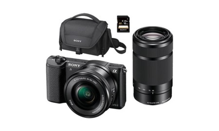 MediaMarkt tiene de nuevo la Sony Alpha 5100L en un completo pack por sólo 579 euros