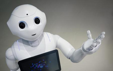 Este robot (aún) no te quitará el trabajo: le despiden en una semana de una tienda por incompetente
