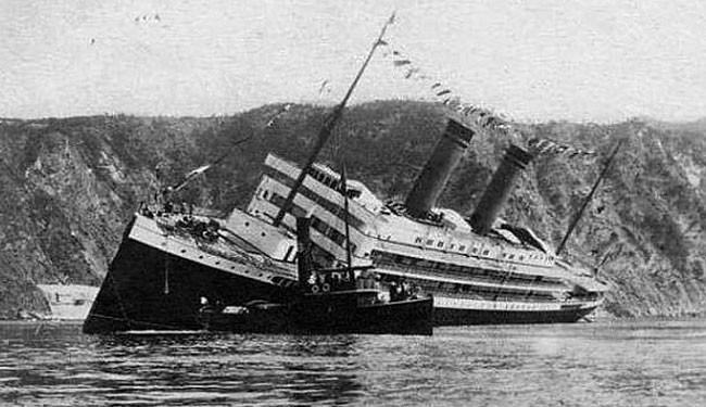 Cómo es, físicamente, el impresionante boteo de un barco