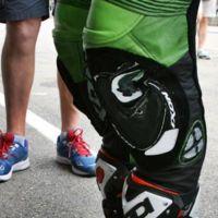 MotoGP Alemania 2015: así quedo la deslizadera izquierda de Bradley Smith