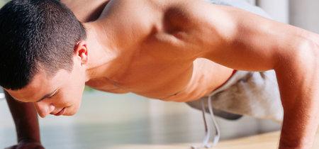 Cinco flexiones de brazos para trabajar todo el cuerpo y quemar calorías al mismo tiempo