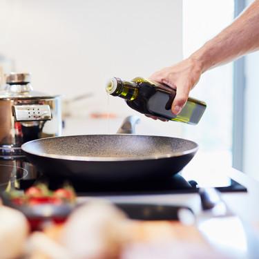 Por qué no deberías comprar aceite de oliva en grandes cantidades (y cuál es la mejor forma de almacenarlo)