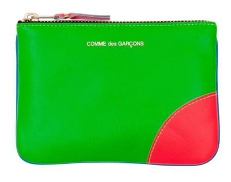 El flúor sigue brillando en las carteras de Comme des Garçons