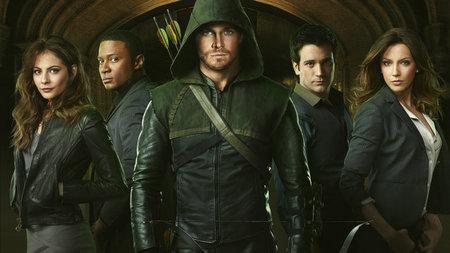 'Arrow' consigue temporada completa en The CW