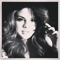 Hacer un Selena Gómez o, dicho de otro modo, limpiar el Twitter de gente que no te mola