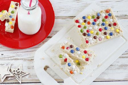 Recetas de navidad para hacer con niños. Turrón de chocolate blanco y Lacasitos