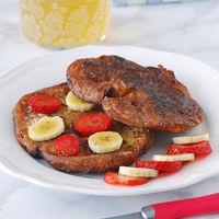 Torrijas de croissant caramelizadas con fruta: receta para un capricho de desayuno o merienda