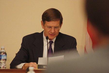 Lamar Smith, el principal impulsor de SOPA, viola las leyes de copyright