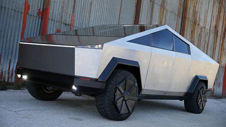 Tesla Cybertruck réplica